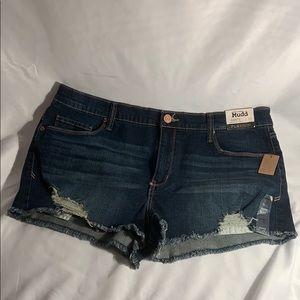 Mudd size 17 low rise shorts